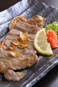 鮮魚料理のほか、地元特産の「松阪牛」を使ったメニューも!