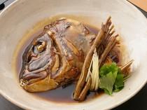 食べ応えたっぷり! 甘辛い味が絶品『伊達真鯛頭のあら炊き』