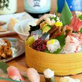 直送される新鮮な魚介類を中心に、豊かな富山の味を提供