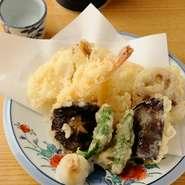 サクサクの衣で美味しい『天ぷら盛り合わせ』