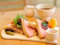 『ハム&グリエールチーズ with サンドライトマトほか』
