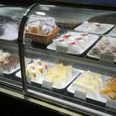 常時8種類ほど置いているケーキもおすすめ!