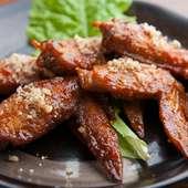 店主特製の甘辛ダレが鶏肉の美味しさを引き立てます