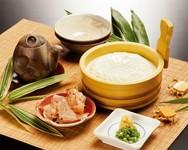 国産大豆と本にがりを使用したざる豆腐。