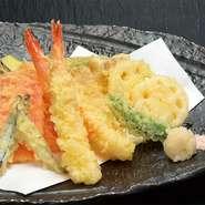 噛んだ瞬間、サクッとした食感が魅力の天ぷらは、旬の味覚が楽しめます。ボリュームも満点です