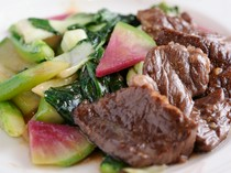 『こだわり中国野菜と神戸牛の炒め』