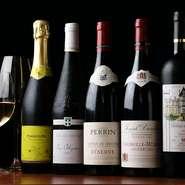 お店で開催されているワイン教室が大好評。グラスは6種類集の中からワインに合ったものをお出しします。