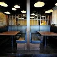席はテーブル席はもちろん、カウンター、ボックス席とシーンに合わせて選べます。ゆったりしたシートが人気のボックスなら、料理やお酒を囲みながら、賑やかに楽しみたい女子会にもぴったりです。