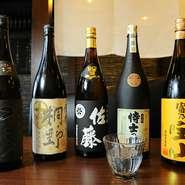九州の酒屋さんから仕入れた焼酎は、博多料理と相性抜群なものがずらりと揃っています。都内ではなかなかお目にかかれない稀少な銘柄もあるので、焼酎ファンにも満足していただけるでしょう。