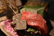 日本三大和牛最高級A5番松阪牛と、地元仙台が誇る最高級A5番仙台牛の食べ比べができるコースです!!