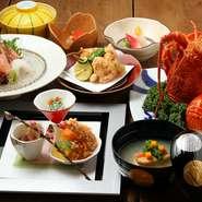 大分の鯛や長崎の鱧など、天然の魚介を中心とした品ぞろえ。養殖とは違う、自然が育てた風味豊かな海鮮を堪能できます。日本全国から旬の味覚を、本場の産地から直送。素材の味を活かした本格料理をお楽しみに。