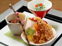 季節を感じる料理と盛り付け。目で楽しみ舌で味わう贅沢