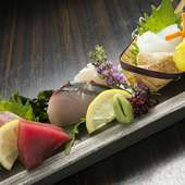 旬魚を中心に四季折々の素材を堪能『刺身五点盛(一人前)』