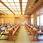 2階席はテーブル席対応60名様お座り対応70名様でございます