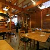 落ちついた空間で、美味しい料理とお酒でガールズトーク