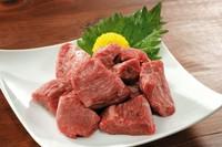 ◎各種お料理のテイクアウトご注文も可! ◎生肉・焼いたお肉、どちらでも対応いたします!  ご不明な点がございましたら、お気軽にスタッフまでどうぞ