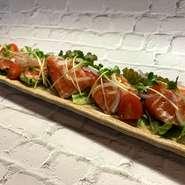 旬の野菜や新鮮な魚介類などの日替わりです。 前菜で迷った時にはお得な前菜盛り合わせ♪