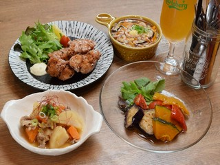 Little Kitchen 春の葉