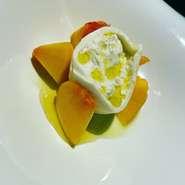 「ポポラ」のコース料理は工夫を凝らしたセンスの光る料理が勢揃い!各種宴会にイチオシのコースです。もちろんワインとの相性は抜群です!