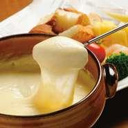 追加注文:チーズ 600円、具材セット<パン・海老・ブロッコリー> 350円