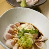 新鮮な鶏料理と焼酎を堪能できる和風居酒屋