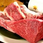 特別な日、誕生日に!A5佐賀牛ロースステーキがメインの飲放題付きコース。メッセージ付きプレートご用意OK