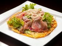 サラダ感覚で食べられる『生ハムのピッツァ』