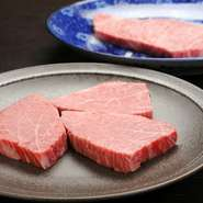 厳選された良質な肉の美味しさをたっぷりと堪能できます。5000円~14000円。