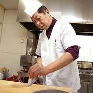料理人が真心をこめてつくるコース料理は、舌をあきさせない、和に洋をプラスした仏蘭西・京懐石です。