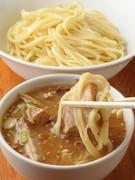自家製麺とオリジナルのスープに美味しさに納得
