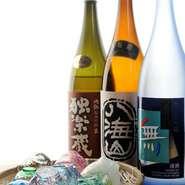 お酒の種類も充実。ソムリエ資格をもつスタッフから、おすすめの日本酒やワインを選んでもらっては。