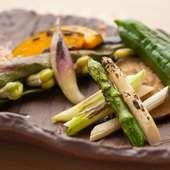 旬の味をたっぷりと堪能できる『旬の焼き野菜』