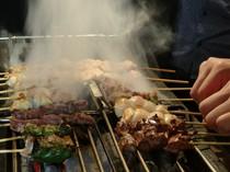 備長炭で焼き上げ、食材の旨味を最大限に引き出します。