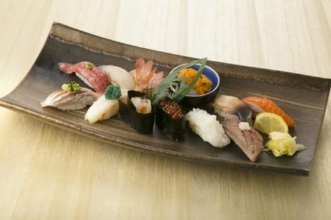 北海道をぎゅーって集約したこれぞ蝦夷前寿司の厳選12貫! 『匠(たくみ)』