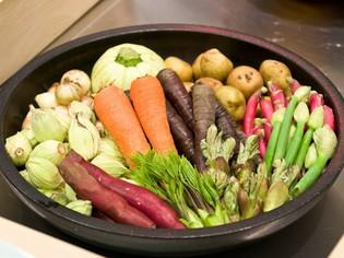 自ら産地へ出向き厳選した、小さなサイズの野菜