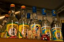 八重山諸島の酒蔵を中心とした4種類の泡盛