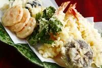 天ぷらも充実。海鮮から旬の野菜までボリューム満点!