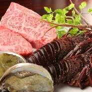 新鮮な鮑や牡蠣などは、オーナーの故郷・広島から取り寄せた厳選高級素材。伊勢海老は大満足な大きさです。リーズナブルに高級素材が味わえる。まさに、「贅沢」なお店です。