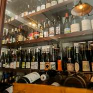 自然派ワインが約500本。フランス産のヴァン・ナチュールなら都内屈指の充実度を誇ります。