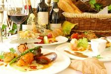 前菜からデザートまで充実したコースメインの料理をお好きな料理からお選び頂けます。