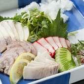 特産の鯨をはじめとする、長崎ならではの味を気軽に