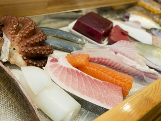 長崎の海の恵みである鮮魚は、旬のものを仕入れています