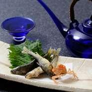 訪れたらぜひ食べたい季節の一品。6月からは鮎の塩焼きが楽しむことができます。