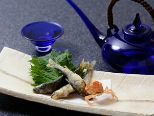 四季折々を織り込んだ料理に使うのは、地元で獲れた天然物