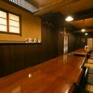 6名用の個室や22~24名まで対応できる座敷席など、宴会にも人気。家族水入らずの食事から会社のお仲間での宴などさまざまなシーンで訪れることができる料理店です。