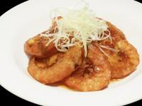 牛肉を使用した細切り炒め シャキシャキ食感の野菜と牛肉の旨味をご堪能下さい。