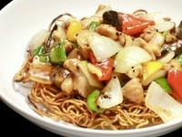普通/大盛り 香ばしく炒めた麺と旨みのある野菜たっぷりの餡(アン)が美味しい一品!!