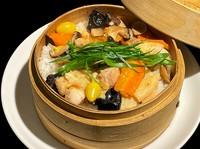 普通/大盛り こだわりの叉焼やプリプリの海老が美味しさの秘訣!! パラパラの中にもしっとり仕上げた炒飯。