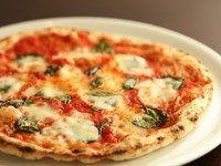 本場の味。モチモチ生地が美味しい『ピッツァ マルゲリータ』
