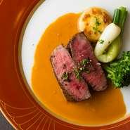 シェフ自慢の料理を堪能できるコースです。選べる料理は種類豊富。訪れる度に違ったコースを楽しめます。